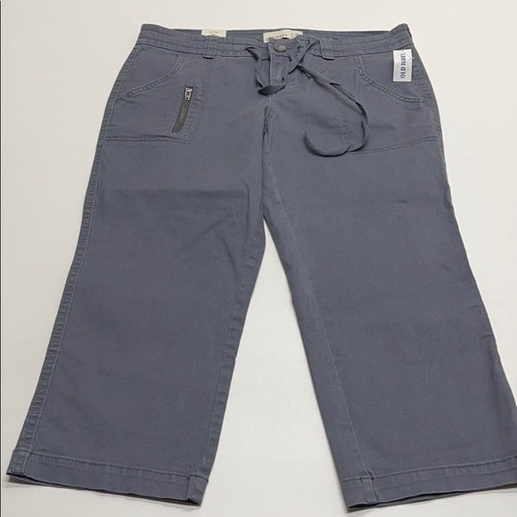 OLD NAVY Womens 8 Gray Low Rise Capri - Stretch